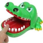 jogo-crocodilo-dentista-an0025-polibrinq-D_NQ_NP_753456-MLB28005429294_082018-F