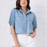 camisa cropped feminina tendencia estilo gringo fashion azul jeans botão bolso pkd