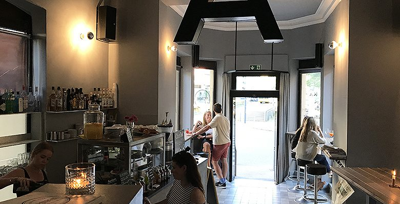 Apotheke Tagesbar Café am Eugensplatz in Stuttgart