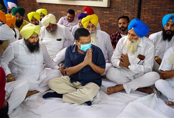 Arvind Kejriwal visits former Punjab minister Sewa Singh Sekhwan's home, offers condolences on leader's death