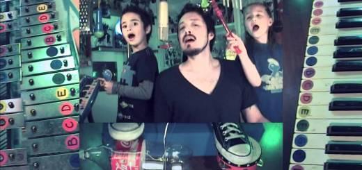 Pai com dois filhos fazem cover dos Depeche Mode