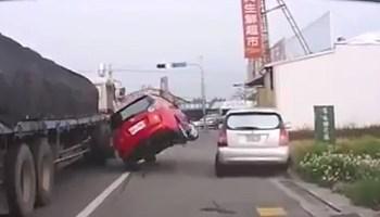 Quando as senhoras falham no trânsito