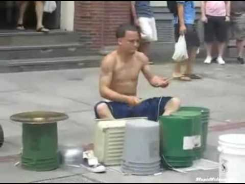 Baterista de rua, mto bom