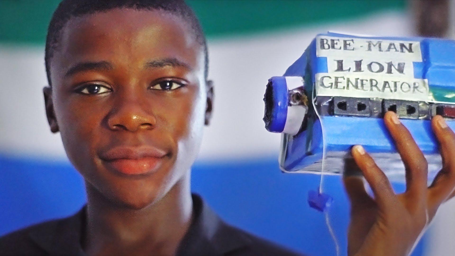 Miúdo com 15 anos cria mesa de DJ só com lixo!