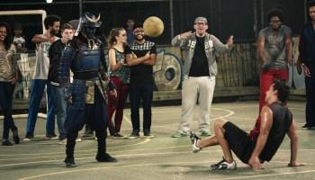 Samurai a jogar à bola? É espectacular!