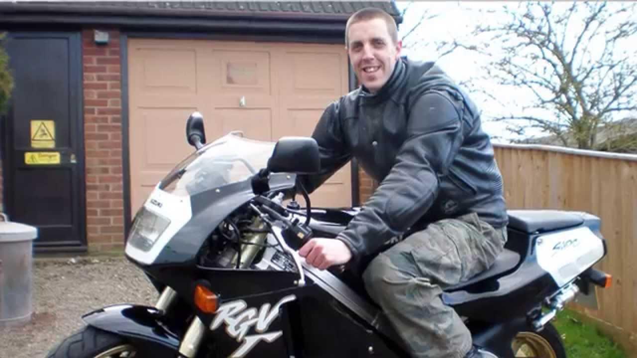 Video de motociclista que filmou a própria morte