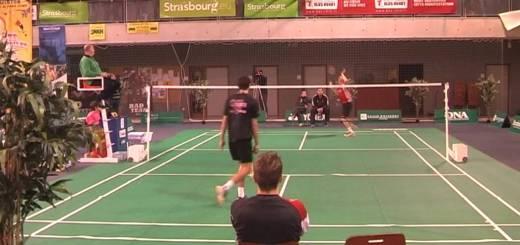 Fantástica jogada de badminton