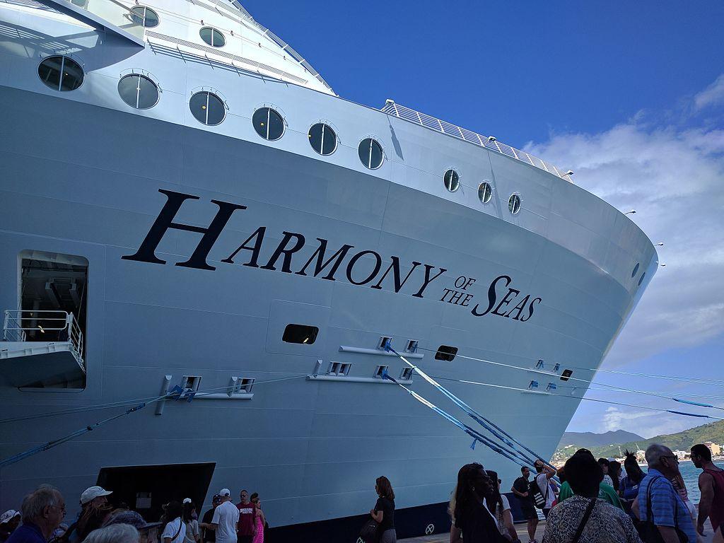 Maior cruzeiro do mundo, até ao momento é Harmony of the Seas