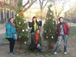 Intervencion navidad valentinas bombing yarnbombing guerrilla lanera urban knitting abeto navideño decoracion navideña - final