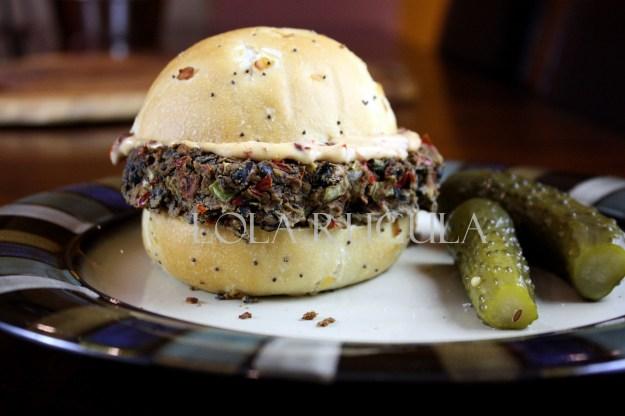 homemade spicy black bean burgers with chipotle mayo recipe lola rugula