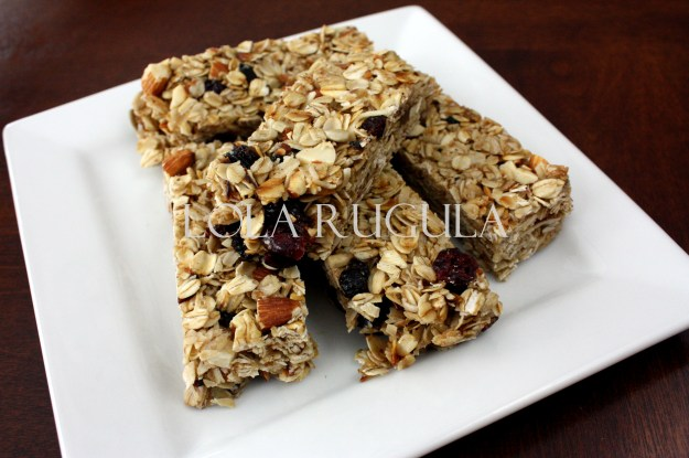 homemade-chewy-granola-bar-recipe-lola-rugula
