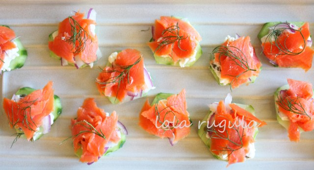 lola_rugula_salmon-cream-cheese-capers-cucumber-appetizers