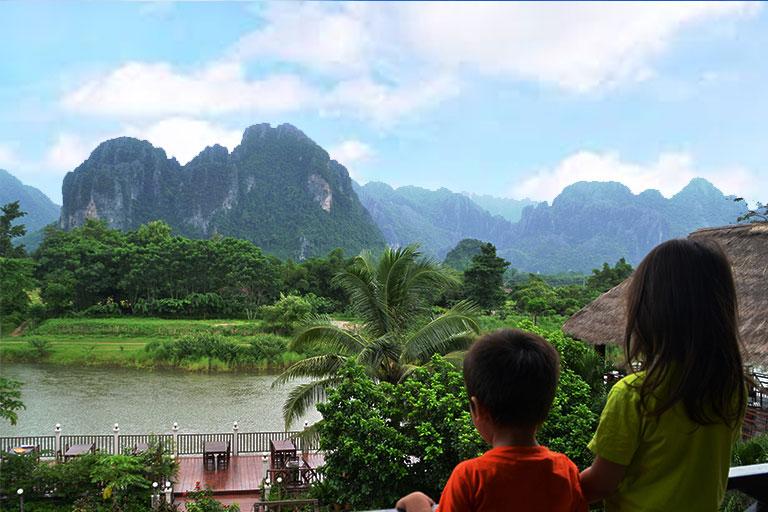 Family Travel - Vang Vieng