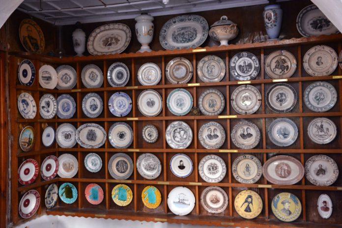 Coleção de Porcelanas - Museu Folclórico - Mykonos