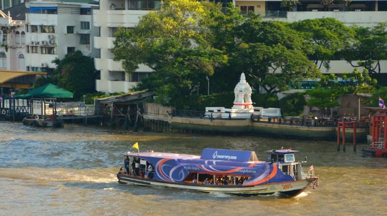 Como circular em Bangkok - embarcação