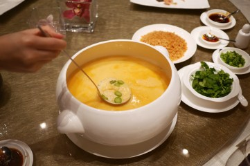 Crispy rice in seafood soup 泡飯