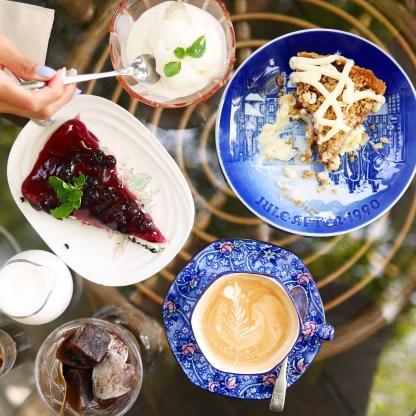 Desserts and coffee (Chivit Thamma Da)