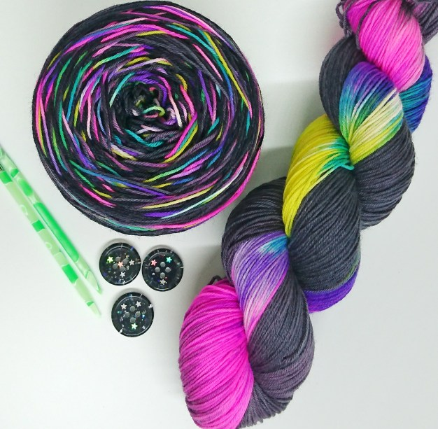 Yarn caked (my own!!) and Lynn's buttons