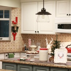 Kitchen Deco Small Island With Chairs Easy Christmas Decor Ideas Ways To Bring Red Into Your Some Simple Accessories