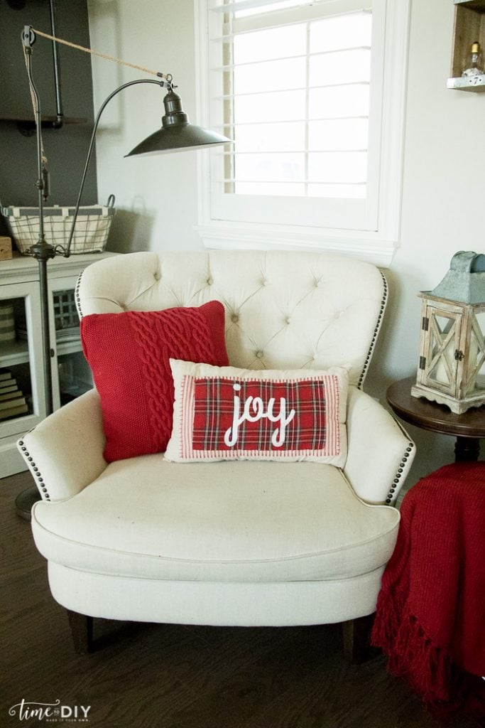 NoSew Christmas Pillows  Lolly Jane