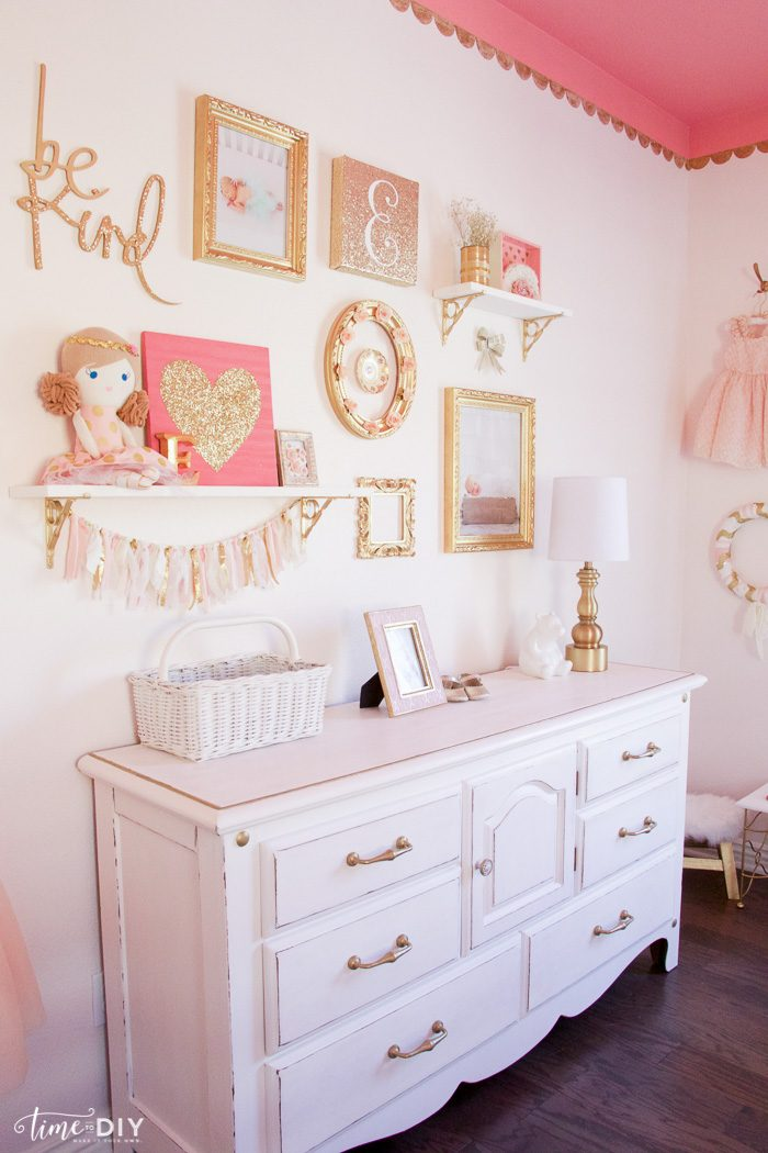 gallery wall decorating tips and tricks