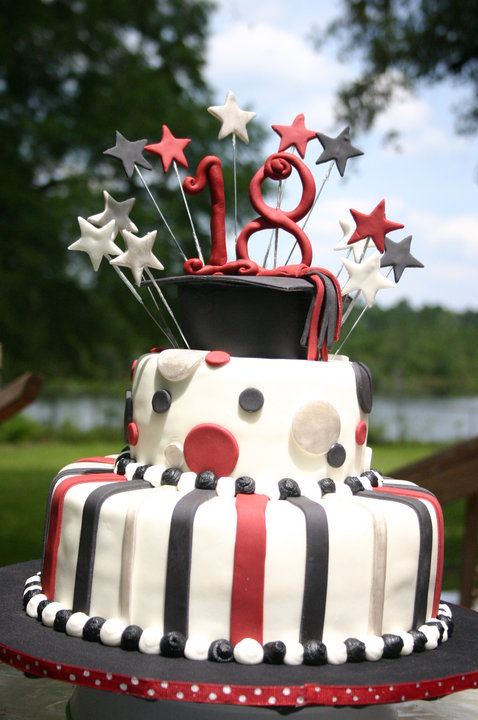 Burgandy And Black 18th Birthday Graduation Cake Lolo S