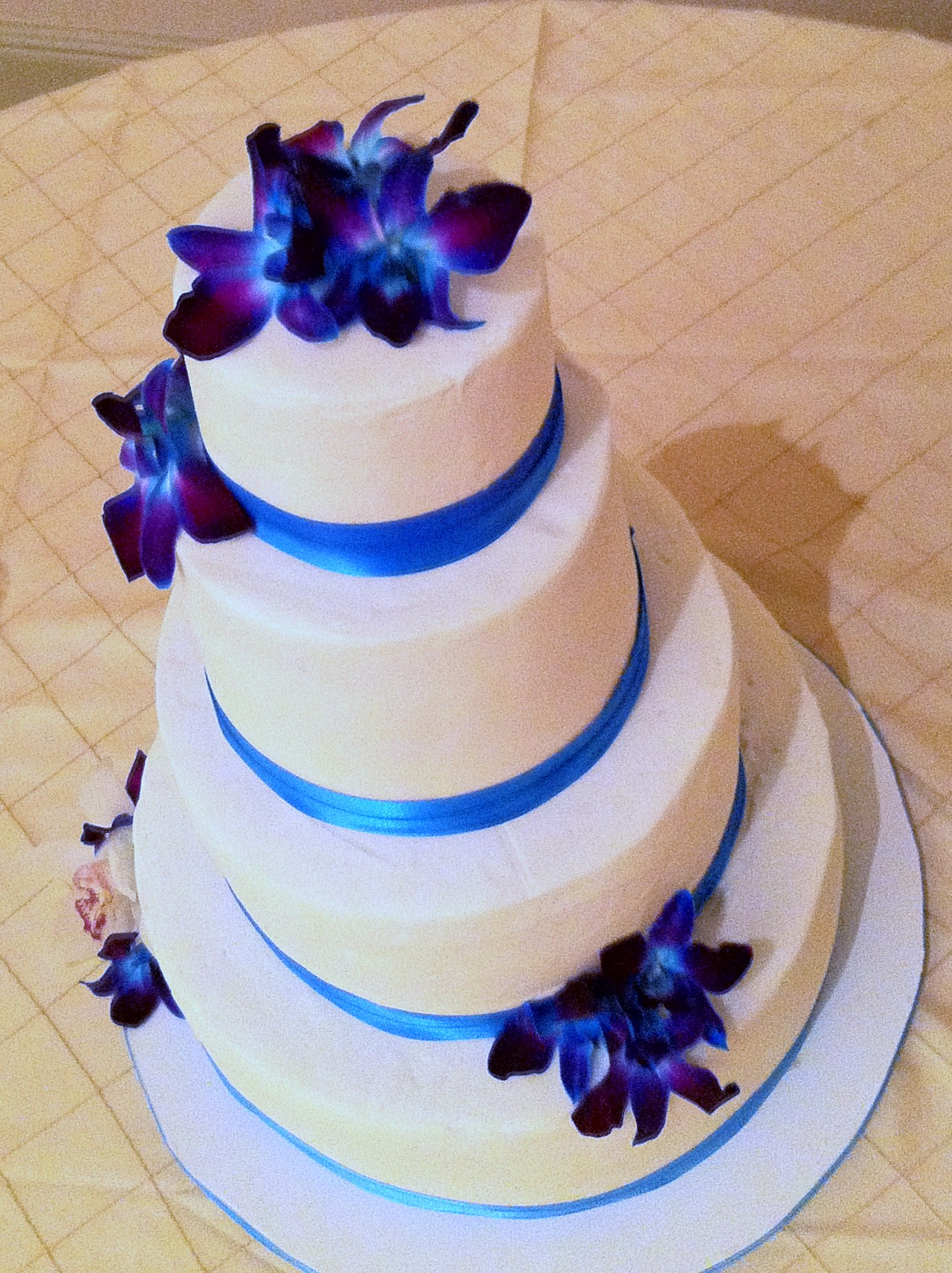 Wedding Cakes  Lolos Cakes  Sweets