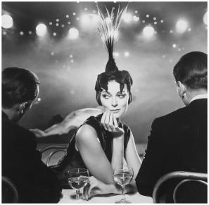 foto Richard Avedon. Carmen Dell_Orefice, Folies Bergeres, Harper_s Bazaar, 1957