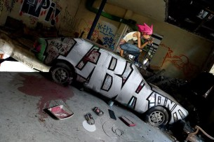 graff-car-girl-graffit-graffiti-art-street-wrecked-sexy-pink-hair-wall-paint-painted