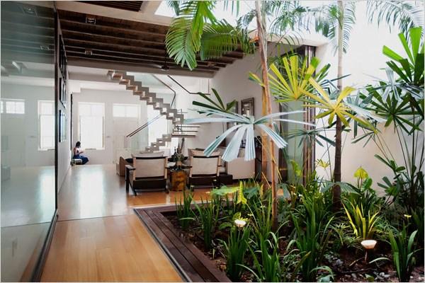 Under Stairs Garden Http Lomets Com   Outdoor Garden Under Stairs   Exterior   Walkway   Crosstie   Gardening   Simple