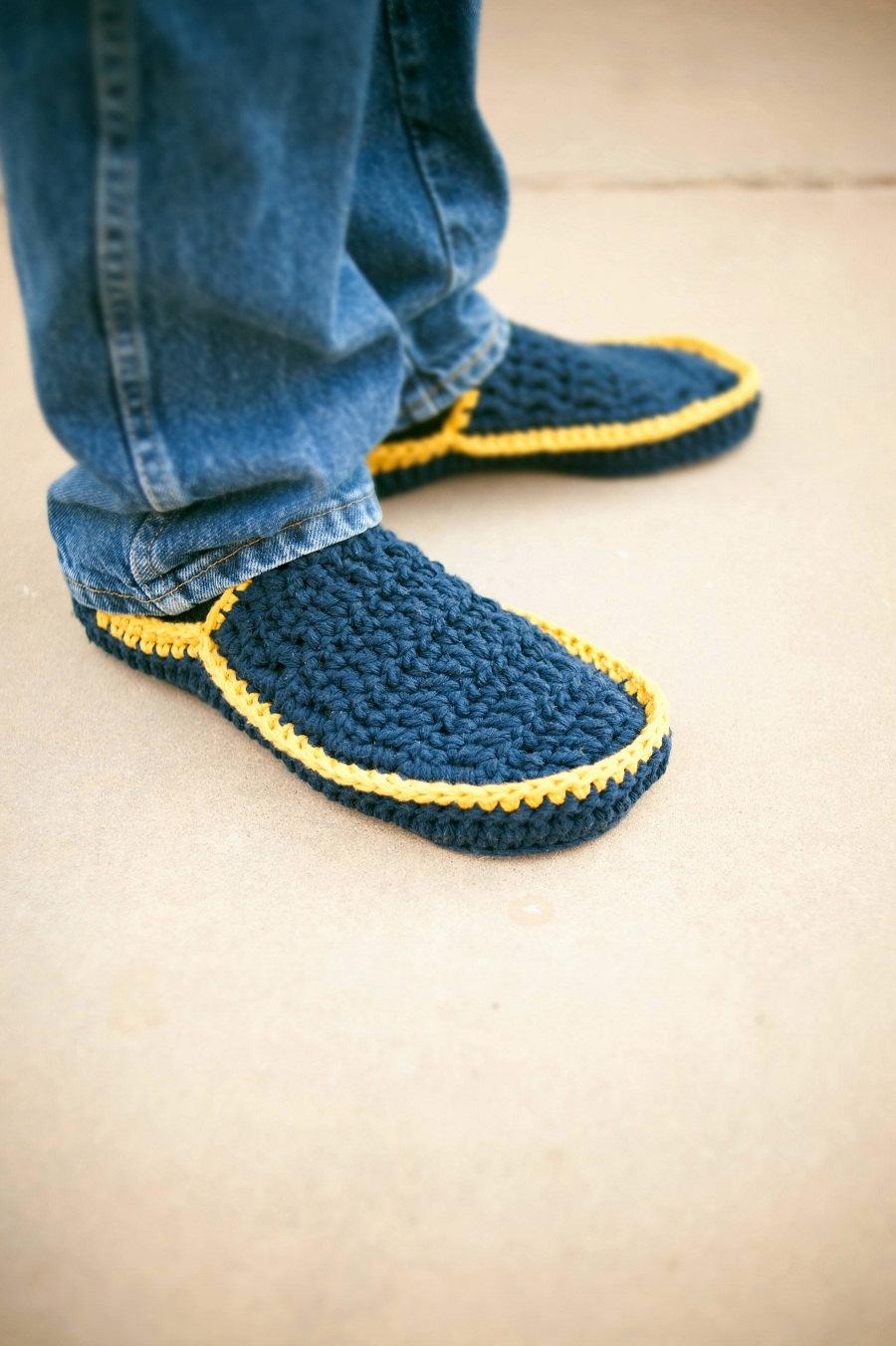 Crochet slippers for men  httplometscom