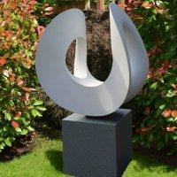 modern garden statues and sculptures   http://lomets.com