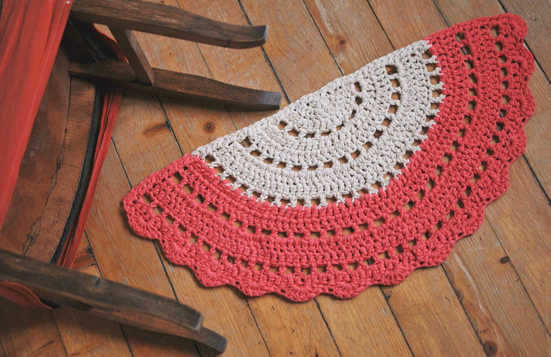 crochet half circle rug  httplometscom