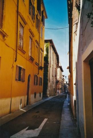 Auf dem Weg ins Herz von Verona.