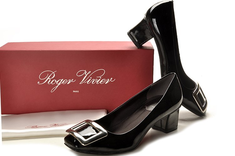 Roger Vivier Belle Vivier Black leather Pumps