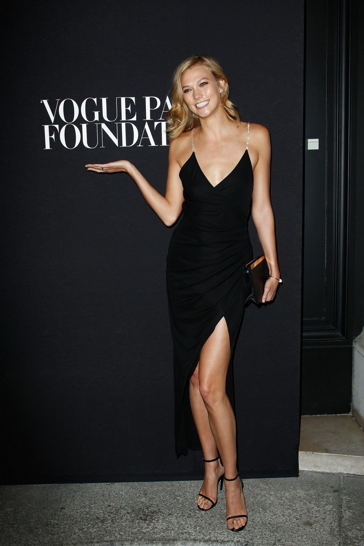 karlie-kloss-at-vogue-foundation-gala-dinner_1