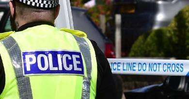 crime,scene,police,policeman,male,cordon,