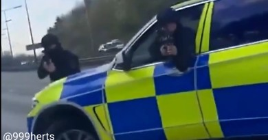 Video of Armed Police stopping Car on M1 motorway