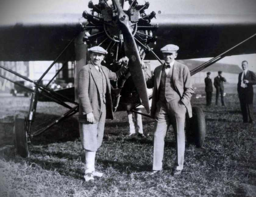 The first personally escorted air tour, from New York to a world heavyweight boxing contest in Chicago, organised by Thomas Cook in 1927.