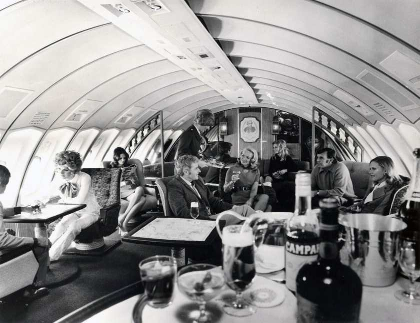 Qantas Captain Cook Lounge, Boeing 747 Upper Deck 1971