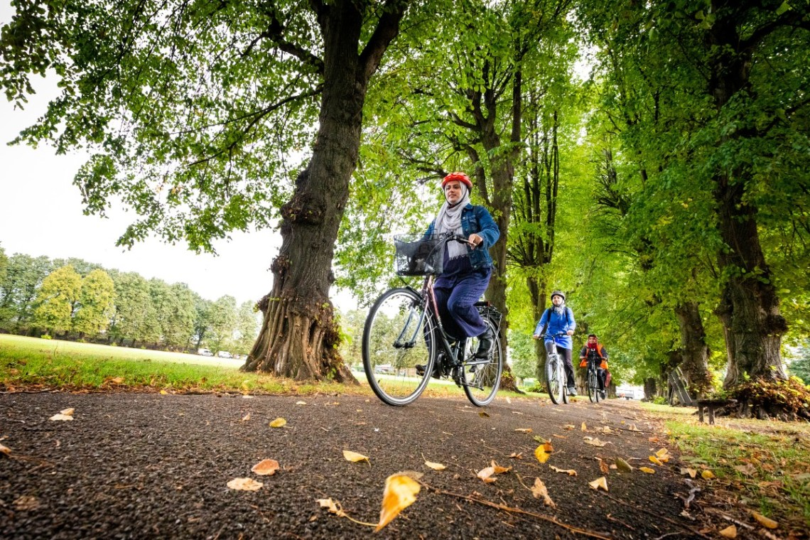 Group of women cyclists in a park