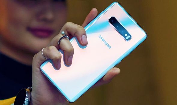 Galaxy S10 seems set for a gorgeous design update