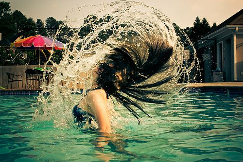 Back to work! 5 trendy bad hair day styling solutions - swimming pool hair