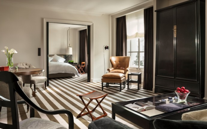 Living in Edwardian Luxury with Rosewood London - Duluxe Suite