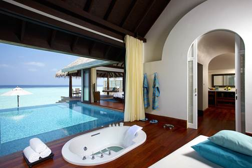 7 Amazing Ocean View Bathrooms That Will Have You Packing Your Suitcase - Huvafen Fushi, Maldives