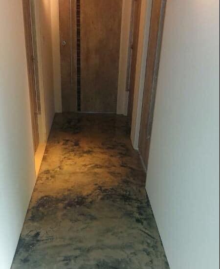 How To Prepare Your Floor For Underfloor Heating - Thin Concrete Layer To Cover Wet Underfloor Heating.