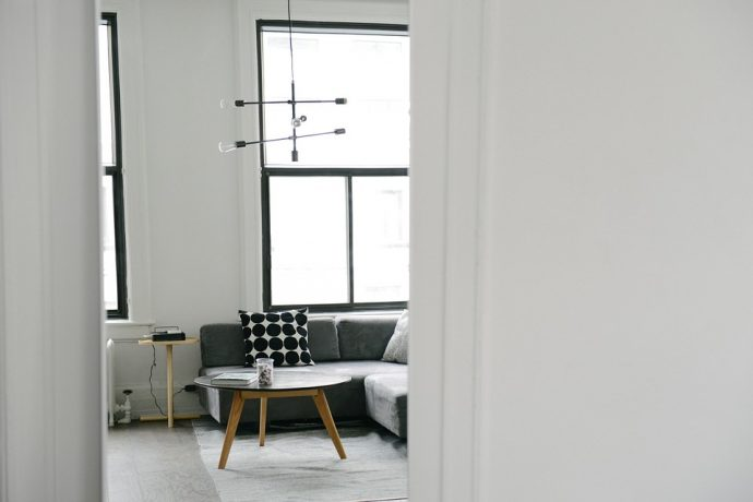 How Screed Flooring Can Help You Achieve The Minimalist Look - Minimalist Lounge