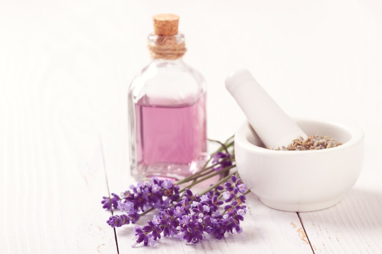 How to turn your bathroom into a home spa - Aromatherapy