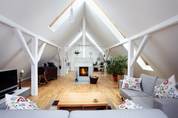 Converted Loft - Lounge with fireplace