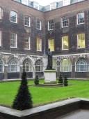 Courtyard alongside the Colonnades, Guy's Hospital
